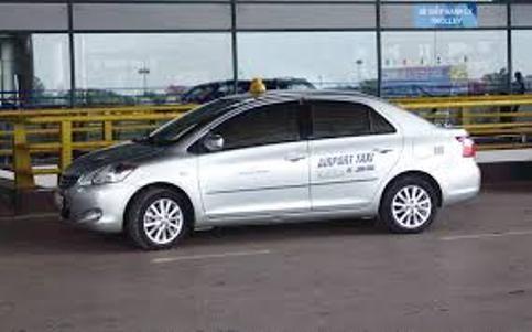 Xe taxi đón tại sảnh sân bay nội bài giá rẻ